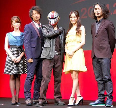 """ฟุจิงายะ ไทสุเกะ แห่ง Kis-My-Ft2 ขึ้นทำเนียบนักแสดงจอเงินครั้งแรกในชีวิตกับ """"Kamen Teacher""""!"""