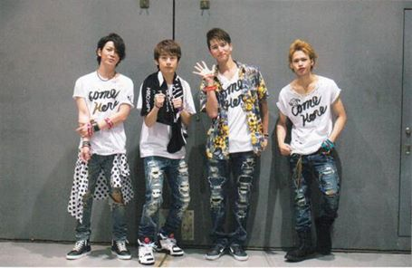 KAT-TUN เตรียมจำหน่ายไลฟ์ดีวีดีคอนเสิร์ต 'come Here' / ปล่อยชื่อ+โลโก้ โตเกียวโดม' คอนเสิร์ตอย่างเป็นทางการ