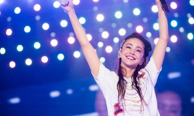 นามิเอะ โอมูโระ คว้ารางวัลใหญ่ Artist of the Year ในการประกาศรางวัล JAPAN GOLD DISC AWARD ครั้งที่ 33
